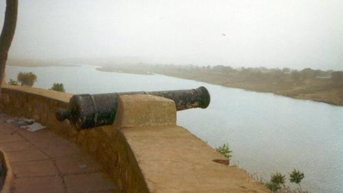 Bakel: canon sur le fort de Bakel