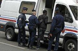 Sans-papiers: que faire en cas d'arrestation?