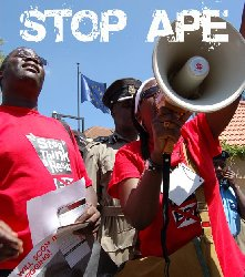 APE: OXFAM REJOINT LA RESISTANCE AFRICAINE